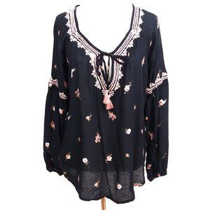 Love Stitch Floral Embroidered Top Puff Sleeve